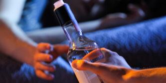 употребление алкоголя в подростковом возрасте увеличивает риск возникновения рака груди в два раза
